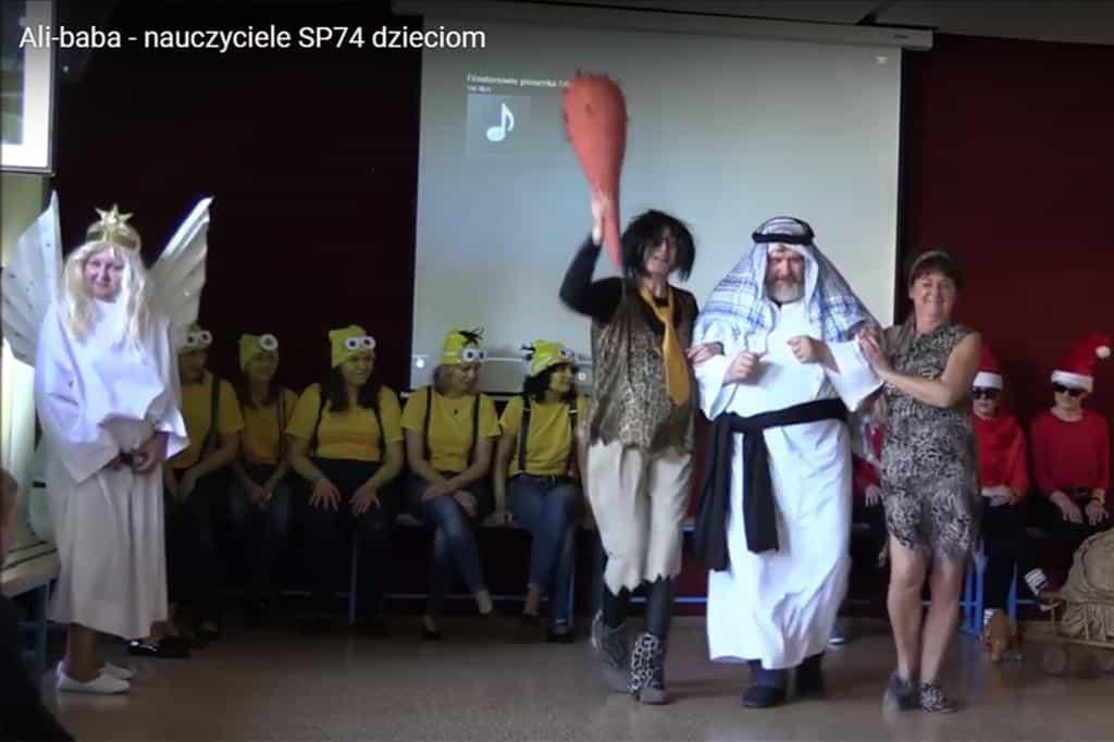 Ali-Baba – nauczyciele SP74 dzieciom
