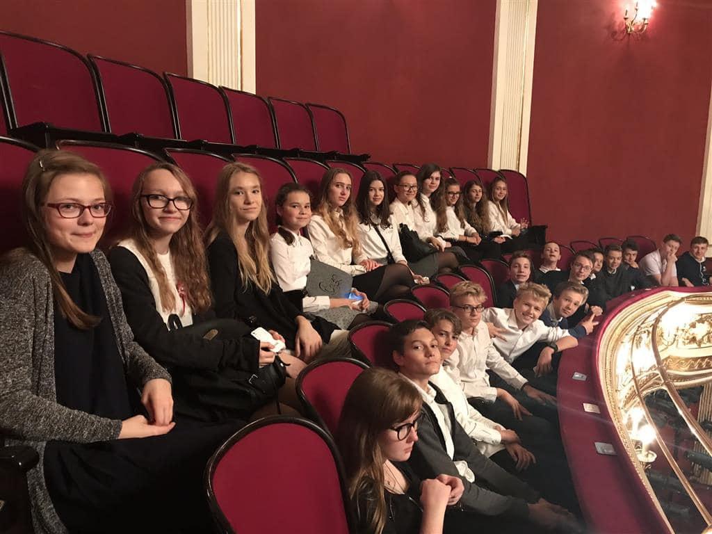 Z wizytą w Teatrze Wielkim w Poznaniu. Refleksje uczniów klasy 8b
