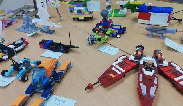 Klocki Lego i robotyka na języku polskim w klasie Vd