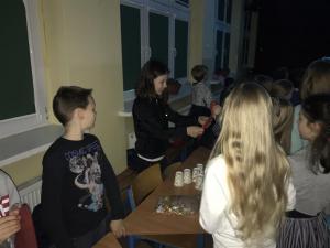 2017-11-30 dyskoteka-andrzejkowa-klas 4-7 03