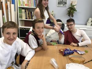 2017-11-13 rzymska uczta w klasie 7b 01