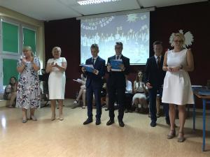 2019-06-19 Uroczyste zakończenie roku szkolnego klas 8 09